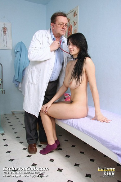 Big Tits Goth Babe Getting Check Up