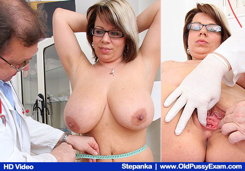 Blondie mama visits the Gynecologist for a gyno testing