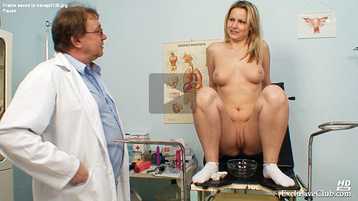 Chubby blondie Zaneta gyno clinic exam