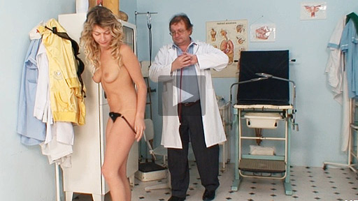 Curly blondie Vanesa gyno exam