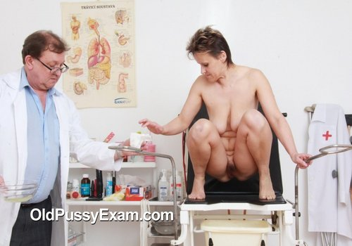 Tonca visits the clinic for a cunt inspection